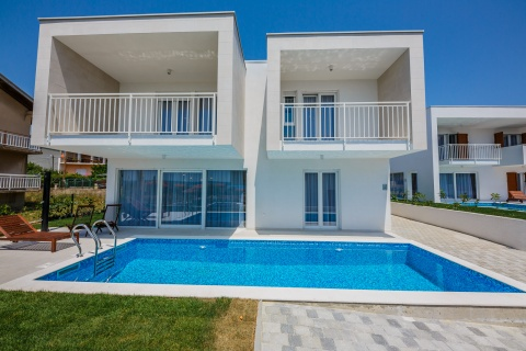 ST37 Two Luxury Villas Jo 1 & Jo 2